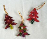 NEW Rustic 3 Painted Wooden Christmas Tree Hanging Decoration 7.5x10cm NO P&P