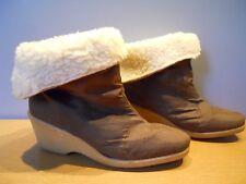 Vintage 1960s 70s Brown Winter Snow Sport Boots Mod Vegan Retro Moon Crepe Wedge