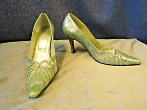 Green shimmery court shoes, ORLANDO, size 5