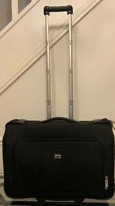 Victorinox Black Mobilizer NXT 4.0 Wheeled Carry On Garment Bag 30343001
