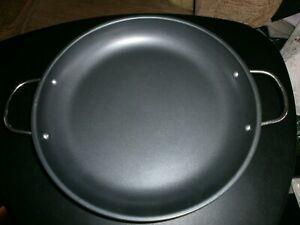 """Paella pan 12"""" BNWOT's."""