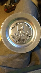 """Vintage Wilton Paul Revere Old North Church Tray 6"""""""