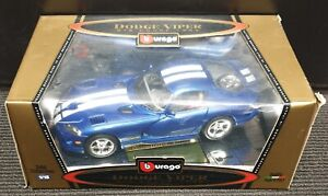 NEW BURAGO GOLD COLLECTION 1:18 DODGE VIPER GTS COUPE in BLUE & WHITE 1996 Boxed
