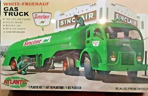 SINCLAIR GAS TRUCK model - O scale 1/48 includes figures