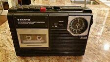 VINTAGE SANYO M2402 3 PORTABLE AM/FM RADIO CASSETTE RECORDER AC/DC