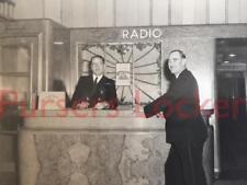 CUNARD WHITE STAR LINE RMS QUEEN ELIZABETH RARE 1ST CL 2X RADIO DESK CREW PHOTO