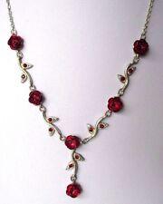 Ancien collier bijou rétro couleur argent en relief roses rouges cristaux 553