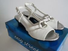 EASY STREET Women's White EILEEN Slip On Sandals Shoes Size 7 1/2 M, New in Box