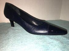 Salvatore Ferragamo Navy Blue & Black Leather pumps size 8 2 A