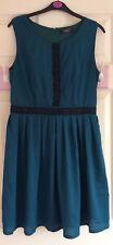 Impresionante diseñador Jasmine London sensación de Seda Vestido De Té De Encaje Negro Verde Oscuro Talla 10