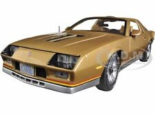1982 CHEVROLET CAMARO GOLD 1/18 DIECAST MODEL CAR BY SUNSTAR 1930