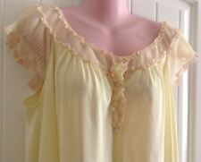 Vintage Vanity Fair Robe Yellow Nylon Crystal Pleats Beige Lace Size M