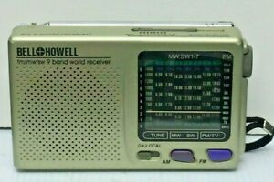 Bell & Howell 9 Band World Receiver Radio