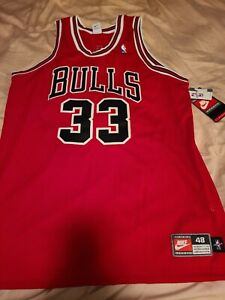 Authentic Chicago Bulls Scottie Pippen Jersey Nike Red #33 Size 48