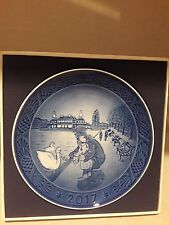 Royal Copenhagen, 2017 Annual Christmas Plate, Walk At The Lakes, Mib, Free Usps