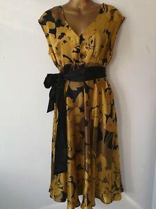 Designer Dress Betty Jackson Black 14 midi Gold Black Glossy Pure silk Hollywood