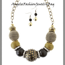 Bold and Beautiful Style  CHUNKY BEAD ORNAMENT NECKLACE