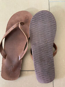 TIGERLILY Women's Leather Thongs Size 41 / 10 Great Condition