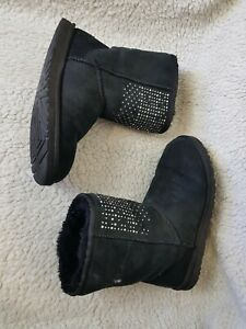 Ugg Swarovski Crystals Womens Boots Black Size UK 7.5 EU 40 fur inside used