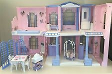 2001 Mattel Barbie GRAND HOTEL Doll House w Furniture Interactive Sounds VGUC