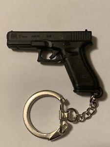 GLOCK PROMOTION Glock 17 KEYCHAIN GUN PISTOL BLACK PLASTIC GEN 5