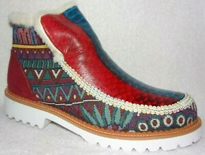 """New """"UNBRANDED"""" RED & WHITE ABSTRACT TEXTILE & LEATHER ANKLE BOOTS EU 40, 9 -9.5"""