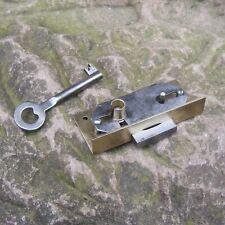 altes Schrankschloss Dornmaß 15mm Einlegeschloss Möbelschloss 71x32,5mm