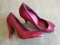 Dorothy Perkins size 5 (38) dark pink faux leather slim heel court shoes