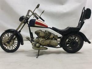 VINTAGE HARLEY-DAVIDSON MODEL MOTORCYCLE (U.S. STRIPES)