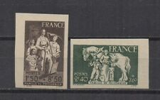 France : n° 585 et 586 (Famille du prisonnier). Non dentelés. **. Cote 140 €.