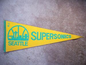 1970'S SEATTLE SUPERSONICS NBA BASKETBALL PENNANT FLAG SHARP!!