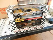 1.18 PONTIAC GEETO JIM WANGERS SIGNED 2 PC SET OF CAR IN SPECIAL BOX. SCARCE