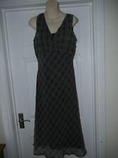 Ladies Black & White Floaty Atmopshere Dress Size 14