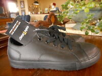 SafeTStep Slip Resistant Shoe Black Womens 7.5 W