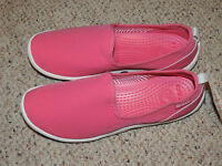 Womens Crocs Size 6 ( Youth 4 ) Duet Busy day Skimmer Hot Pink Slip On Shoes