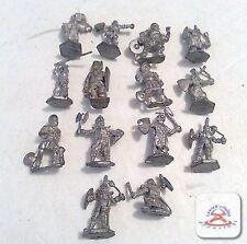 Lot of 14 Vintage Knight Miniatures............(C19B1)
