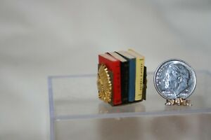 Miniature Dollhouse Native American Indian Chief Bookends & 4 Books 1:12 NR