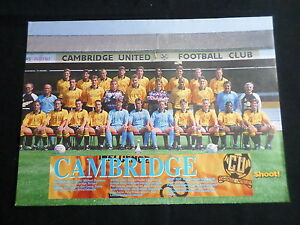 CAMBRIDGE UNITED  FOOTBALL TEAM PICTURE - 1 PAGE - CLIPPING/CUTTING