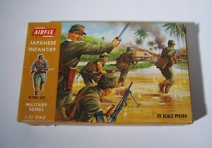 Airfix  1768  Japanese Infantry Soldiers  29 Figures 1:32 set  1969  OSS  in Box