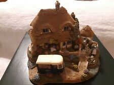 """Lilliput Lane Collectibles """"Two Pints Please"""" L2497 Mib with deed club special"""