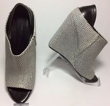 Alexander Wang $715 Alla Leather Wedges Size 38 Fits Sz 7 Black & White