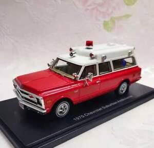 NEO 1/43 Scale Resin Model Chevrolet Suburban Ambulance (red/white) 1970