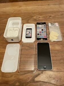 APPLE IPHONE 5C - 8GB - White (Unlocked) A1507 (GSM) - VERY GOOD CONDITION