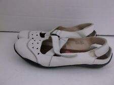 """Ros Hommerson """"Carrie"""" White Flats Leather size 10.5 N"""