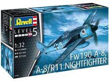REVELL 1:32 03926 FOCKE WULF Fw190 A-8 Nightfighter modèle First Class post