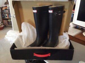 Women's Wide Calf Hunter Boots - size Aus 6