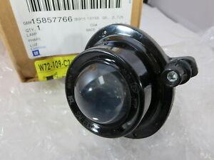 New OEM GM  2007 - 2010 Saturn Outlook fog driving light lamp lens assembly NOS
