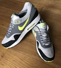 "Nike Air Max 1 Essential Hombre ""polvo gris"" Volt UK9 (537383-070)"