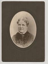Cabinet Card CDV Photo Lady Wearing Beautiful Brooch.