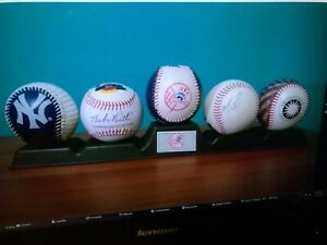 NEW YORK YANKEES--1995-96 (3) Set of 5 Baseballs--with stand.Little League Signe
